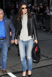 Katie Holmes Arriving to Appear on