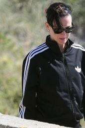 Katy Perry Booty In Leggings - Out in Perth, Australia - November 2014