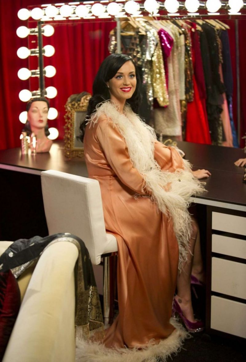 Katy Perry Dressing Room Photos