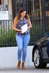 Kelly Brook Booty in Jeans - Out in Los Angeles, November 2014
