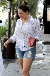 Kelly Brook Leggy in Jeans Shorts - Goes for Lunch at Little Next Door in West Hollywood