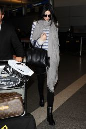 Kendall Jenner Style - at LAX Airport in Los Angeles, Nov. 2014