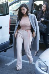 Kim Kardashian Street Style - Out in Melbourne, November 2014