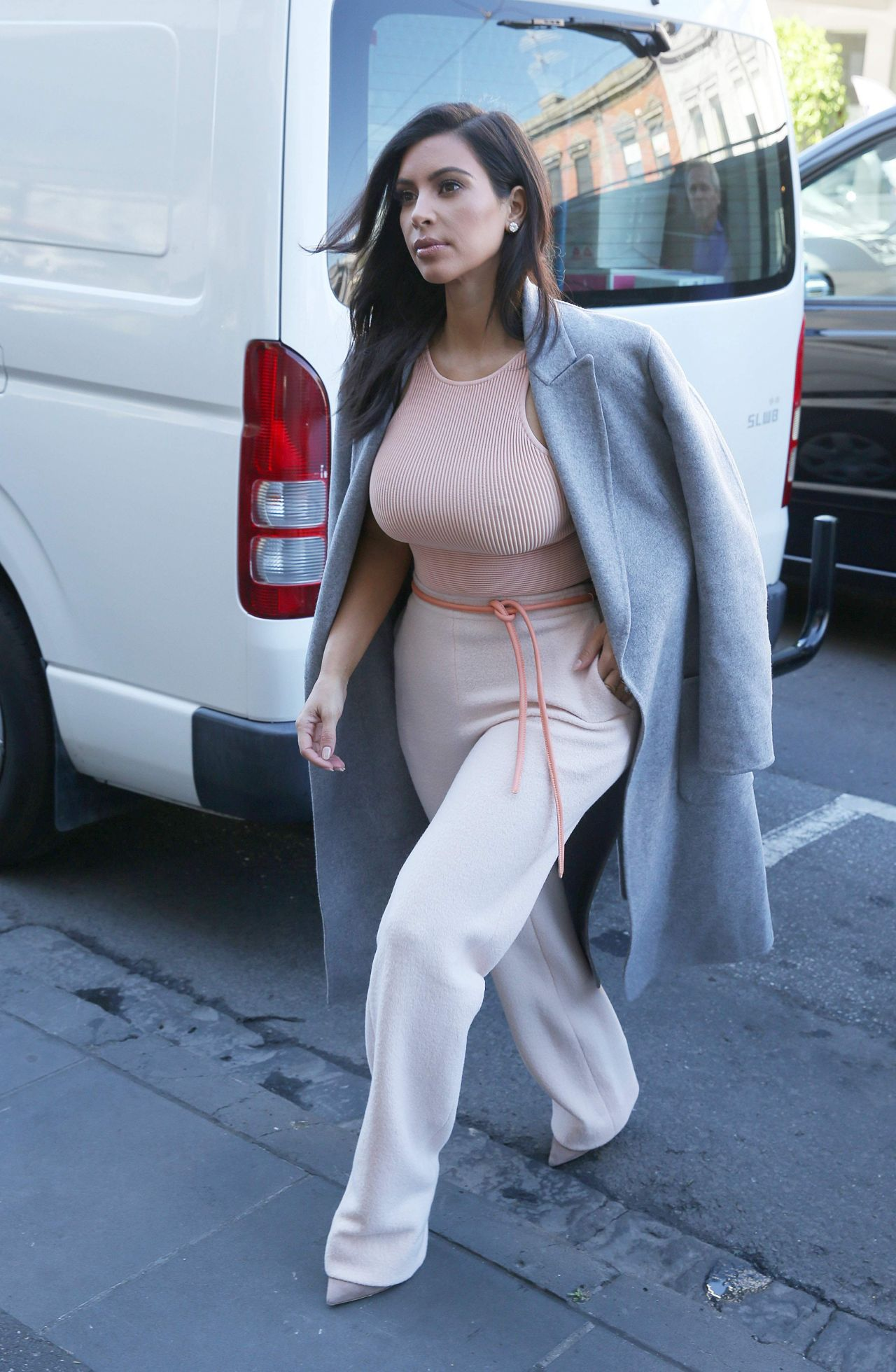 Kim Kardashian Street Style - Out in Melbourne, November 2014