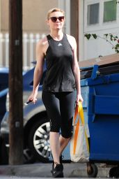 Kirsten Dunst in Leggings - Outside a Gym in Los Angeles - November 2014