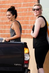 Kirsten Dunst in Leggings - Outside a Gym in Los Angeles - November 2014