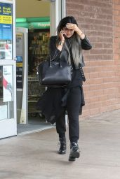 Kylie Jenner Street Fashion - Shopping at CVS Pharmacy in Los Angeles, Nov. 2014