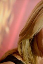 Lisa Kudrow -
