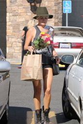 Malin Akerman Leggy in Shorts - At Gelson