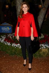 Maria Menounos - Brands 7th Annual Christmas Tree Lighting Show in Glendale