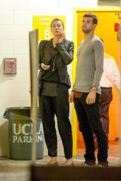 Maria Sharapova - Visiting the UCLA Medical Building in Los Angeles - november 2014