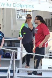 Mariah Carey in a Wet Suit for a Boat Ride in Perth - November 2014