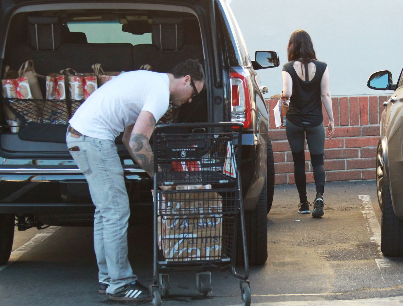 Megan Fox Street Style - Grocery Shopping in Los Angeles - November 2014