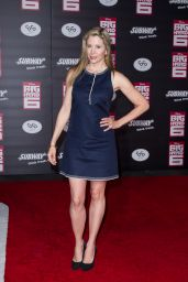 Mira Sorvino on Red Carpet -