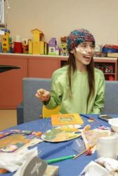 Miranda Cosgrove Visits Children at LAC + USC Medical Center in Los Angeles