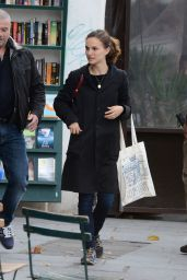 Natalie Portman Street Style - Out in Paris, November 2014