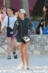 Nina Agdal in Shorts out in Miami - November 2014