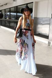 Paris Hilton Style - at LAX Airport in Los Angeles - November 2014