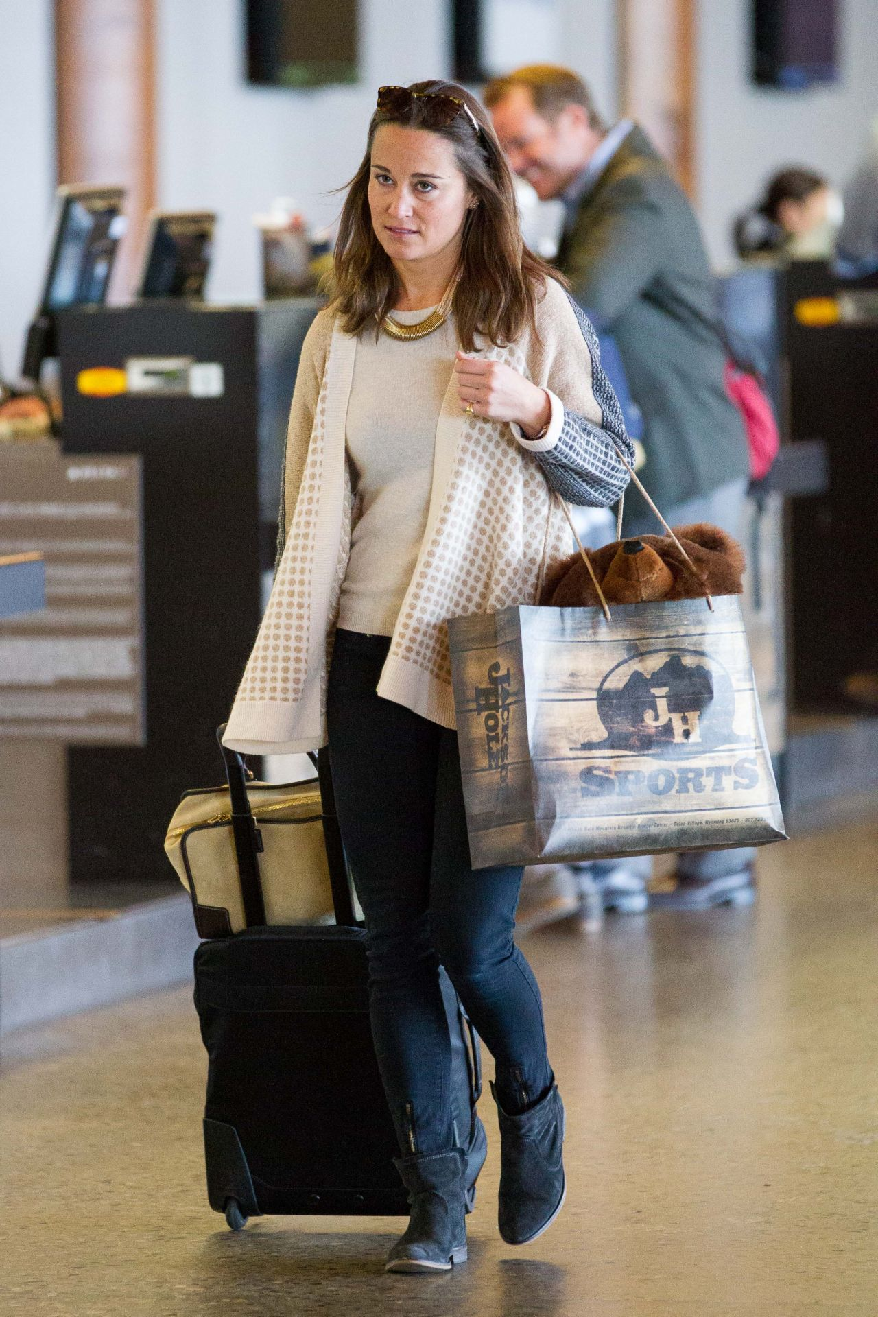 Pippa Middleton - Jackson Hole Airport in Wyoming - November 2014