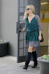Reese Witherspoon Street Fashion - Out in Beverly Hills, November 2014