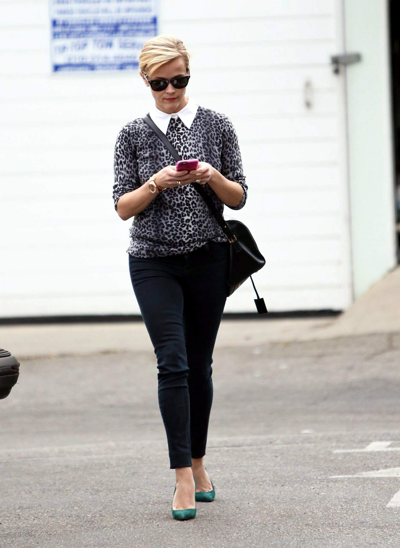 Reese Witherspoon Style - Out in Santa Monica - November 2014