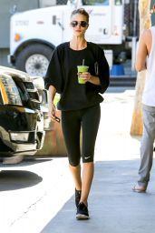 Rosie Huntington-Whiteley Booty in Tights at a Gym in Beverly Hills - November 2014