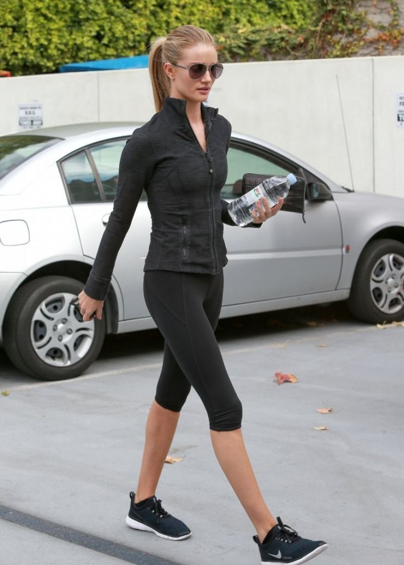 Rosie Huntington-Whiteley in Leggings - At the gym in West Hollywood - November 2014