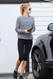 Rosie Huntington-Whiteley in Leggings - Leaving the Gym in West Hollywood - November 2014