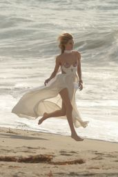 Rosie Huntington-Whiteley Photoshoot - Beach in Malibu - November 2014