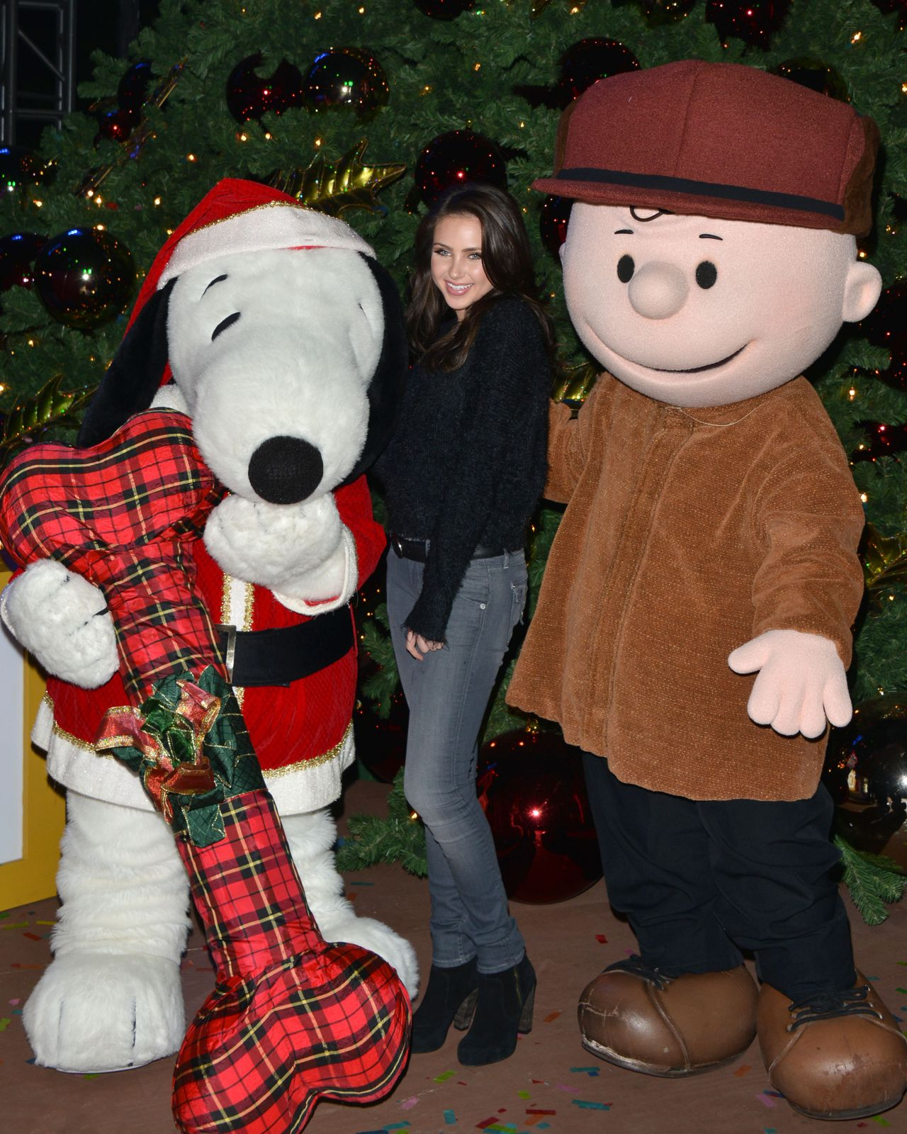 Lighting Of Christmas Tree 2014: Knott's Merry Farm Holiday Tree Lighting In