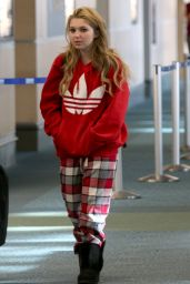 Sammi Hanratty - Airport Departure in Vancouver, November 2014