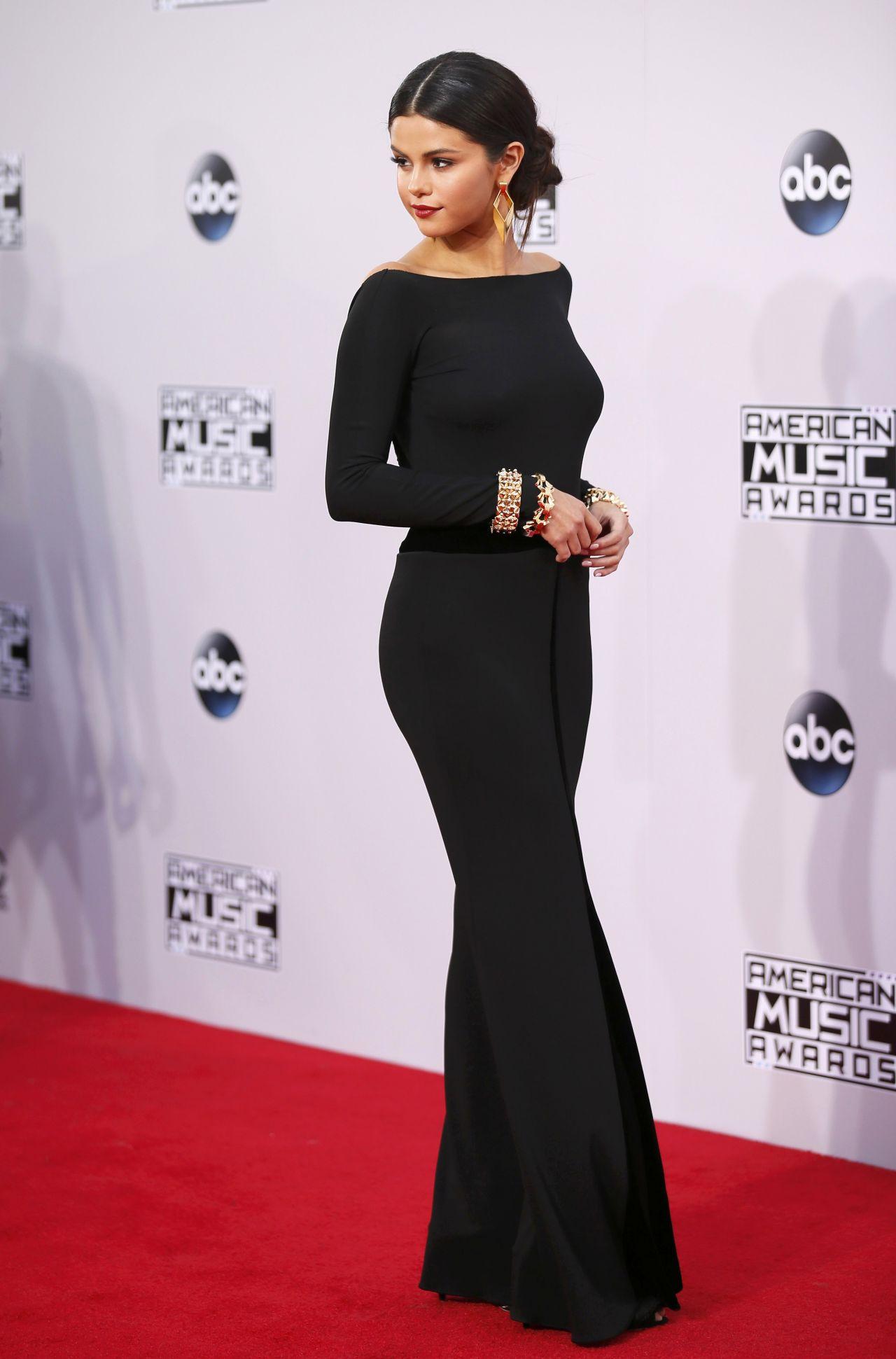 Selena Gomez Red Carpet Photos 2014 American Music Awards