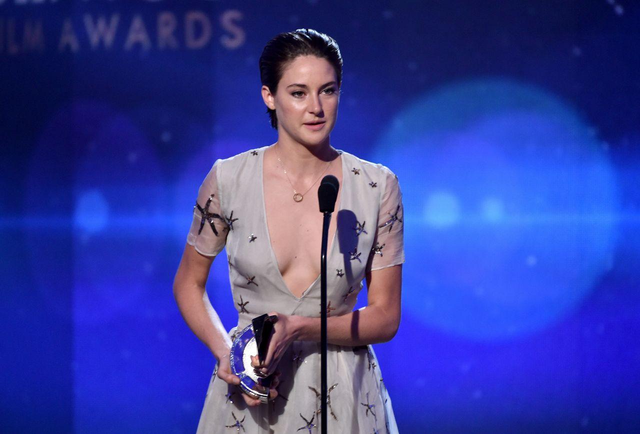 Shailene woodley nipple slip the spectacular now 10