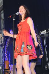 Sophie Ellis Bextor Performing at the Caron Keating Anniversary Dinner in London - November 2014