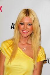 Tara Reid - Launches her Starlooks Cosmetics Line in Downey - November 2014