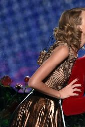 Taylor Swift – 2014 American Music Awards in Los Angeles
