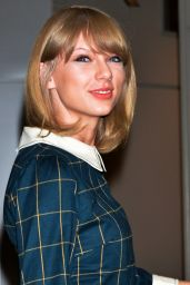 Taylor Swift - Aarriving at Narita International Airport in Tokyo - November 2014