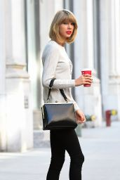 Taylor Swift Casual Style - Leaving Her Apartment in New York City - November 2014