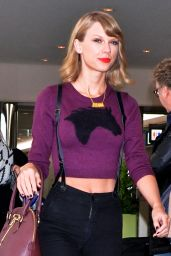 Taylor Swift Street Fashion - Narita International Airport in Tokyo - November 2014