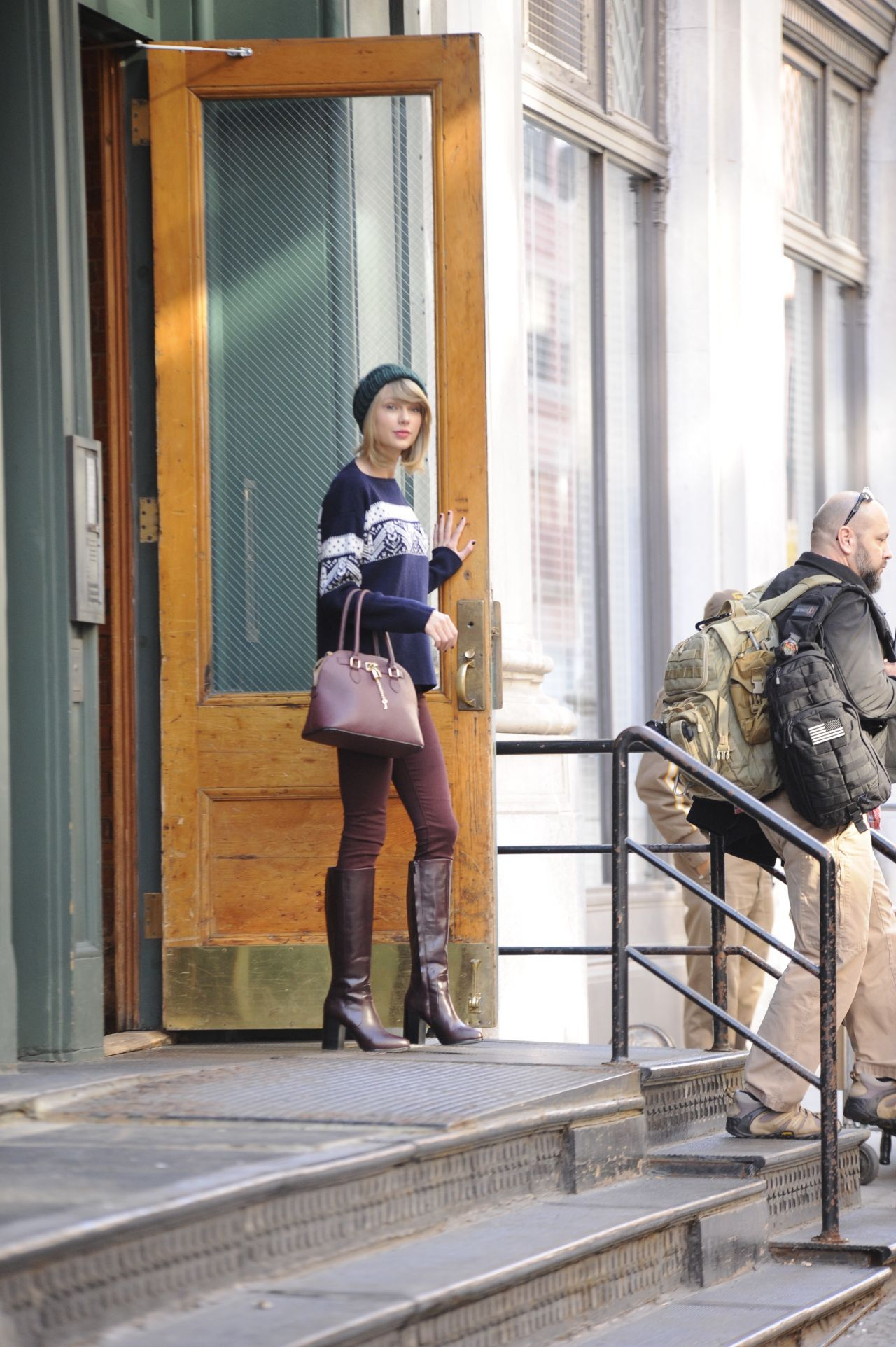 Taylor Swift Street Style Leaving Her Apartment In New