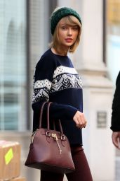 Taylor Swift Street Style - Leaving Her Apartment in New York City - November 2014