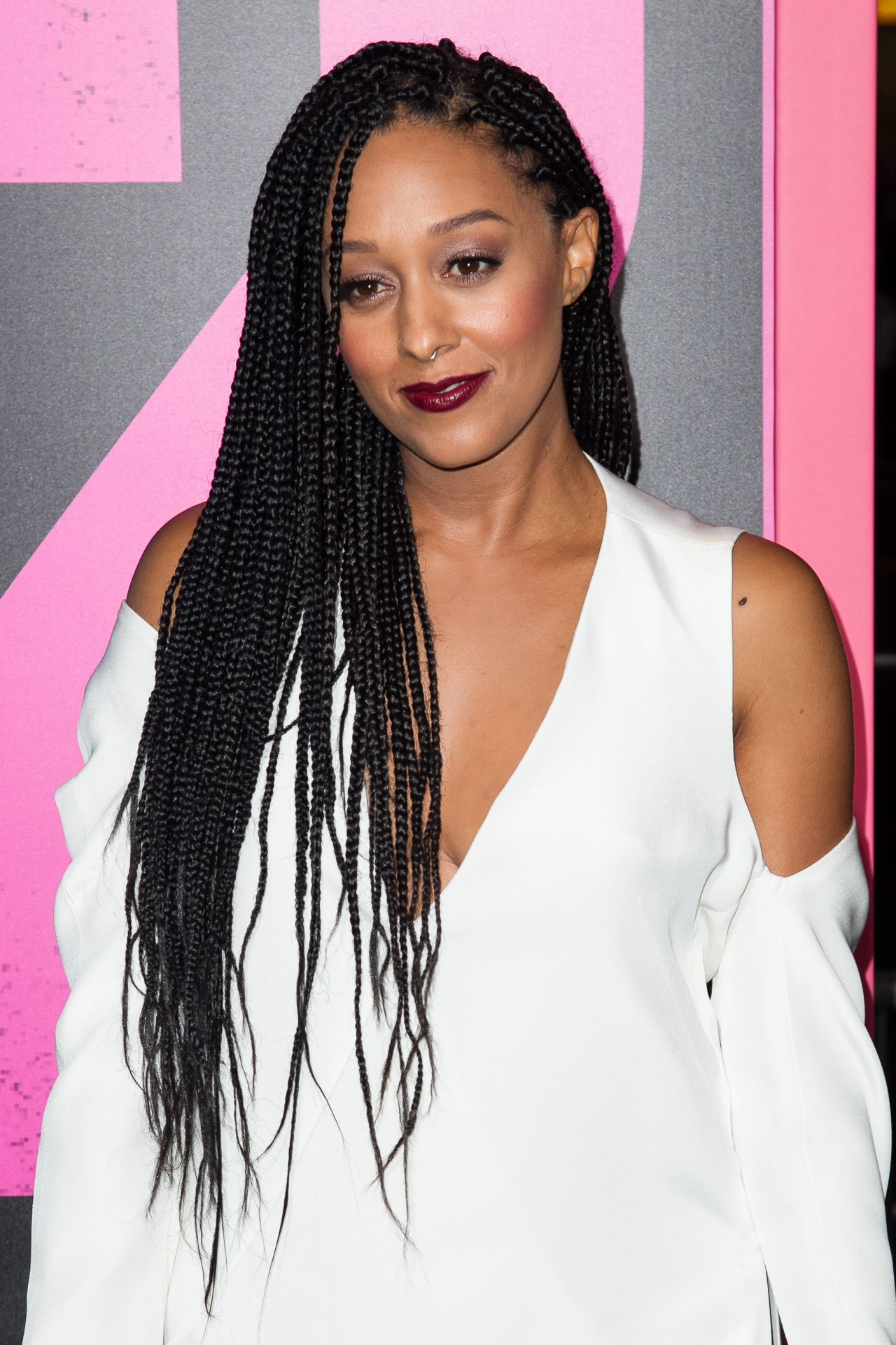 Tia Mowry - 'Horrible Bosses 2' Premiere at TCL Chinese Theatre in Hollywood