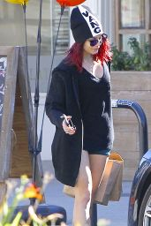 Vanessa Hudgens Street Style - Out in Los Angeles, November 2014
