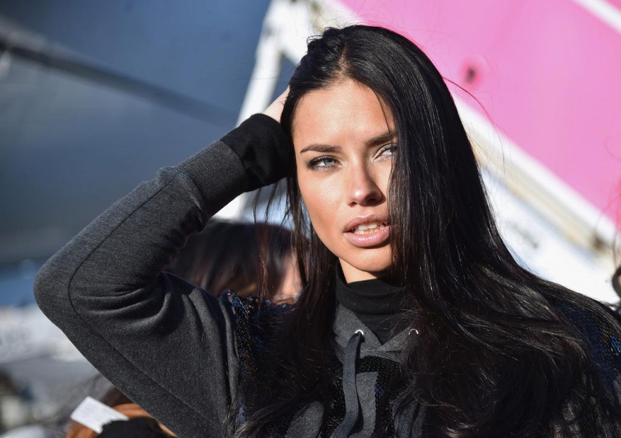 Adriana Lima – Departing For the London For 2014 Victoria's Secret Fashion Show