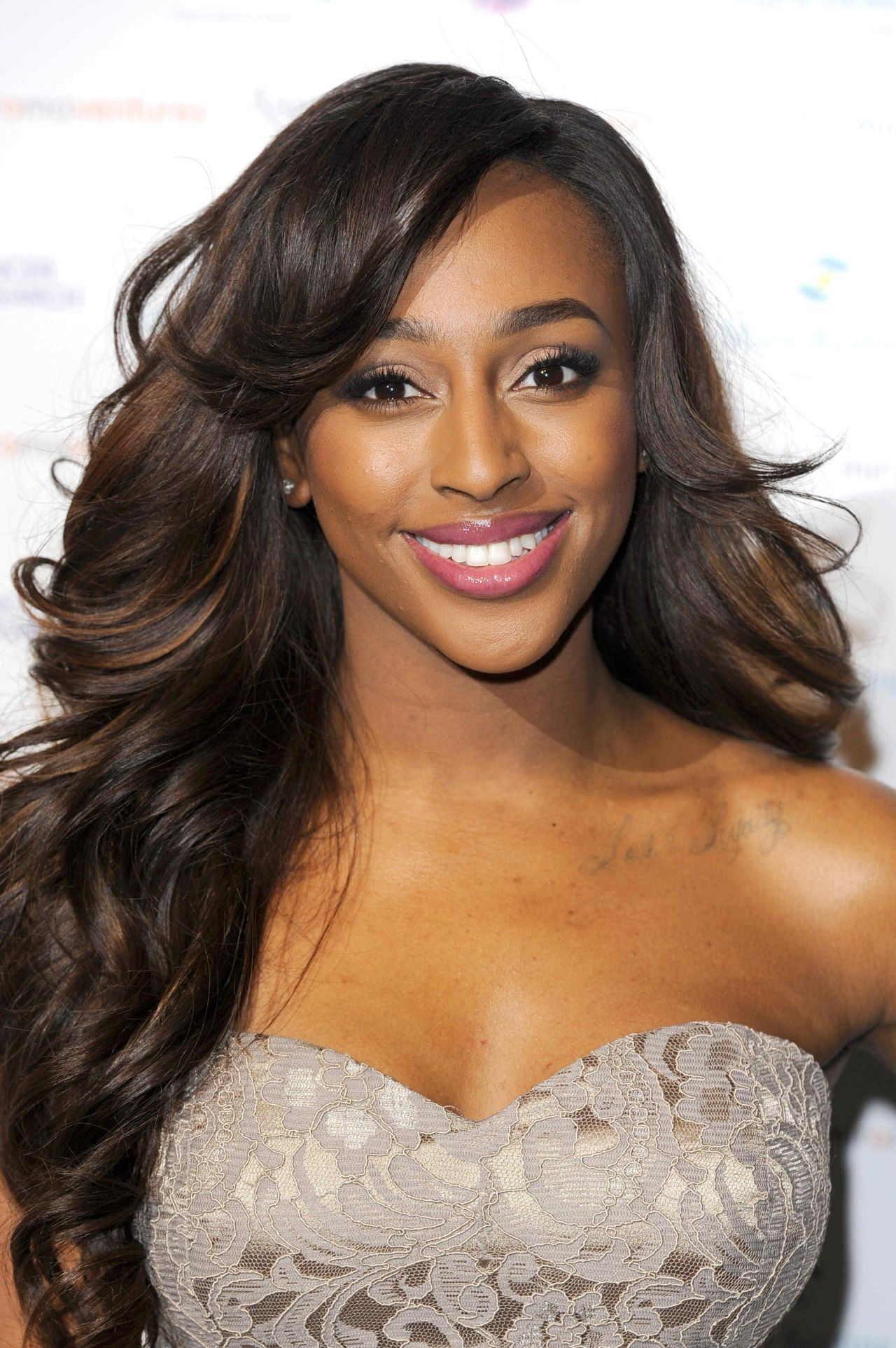 Alexandra Burke Emeralds Amp Ivy Ball In London December