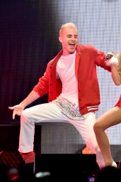 Ariana Grande Performs at KIIS FM's Jingle Ball 2014 in Los Angeles