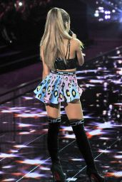 Ariana Grande Performs at Victoria