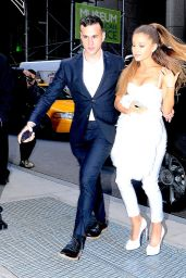 Ariana Grande Style - Arriving to the 2014 Billboard Women in Music Luncheon