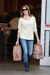 Ashley Greene Booty in Jeans - Shopping in Los Angeles, December 2014