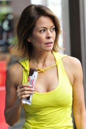 Brooke Burke in Leggings - Candid Promoshoot, December 2014